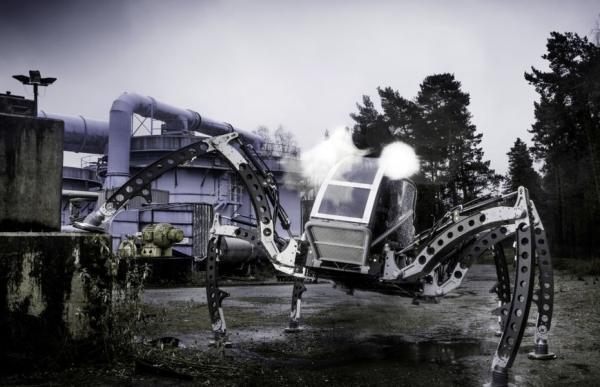 全球最大的蜘蛛机器人,拖着卡车直接走,有点狠!