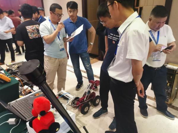 管道检测机器人亮相山东给水排水管道检测评估与非开挖修复技术培训班