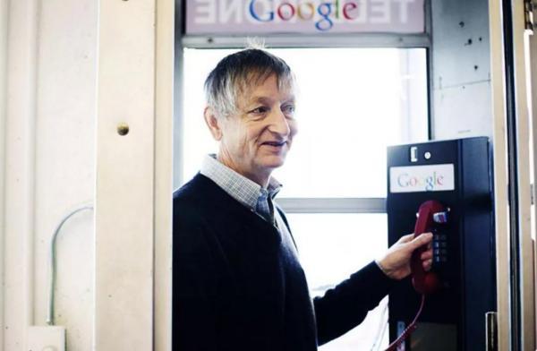 AI芯天下丨AI教父Geoffrey Hinton:你我都是机器人