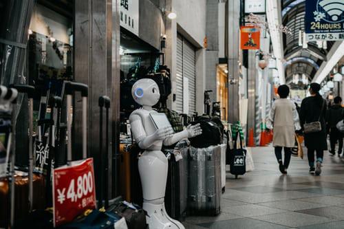 Ai芯天下丨观点丨AI产品落地记:光环、局限和自我突破