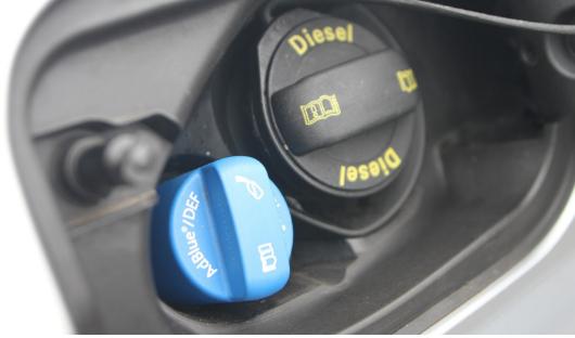 用于柴油车SCR排放系统中的光电液位传感器