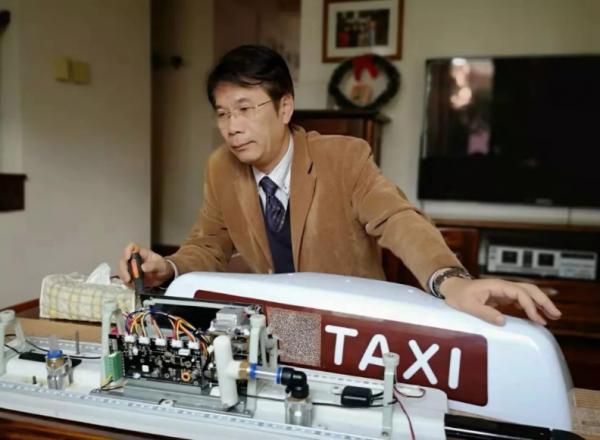 出租车搭载PM2.5传感器监测城市大气污染