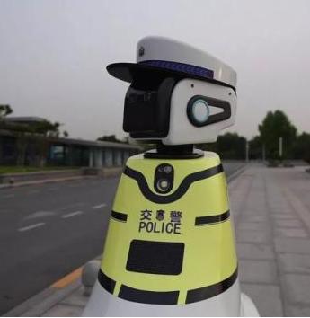 """""""足智多谋""""机器人发动未来两大领域智能科技引擎"""