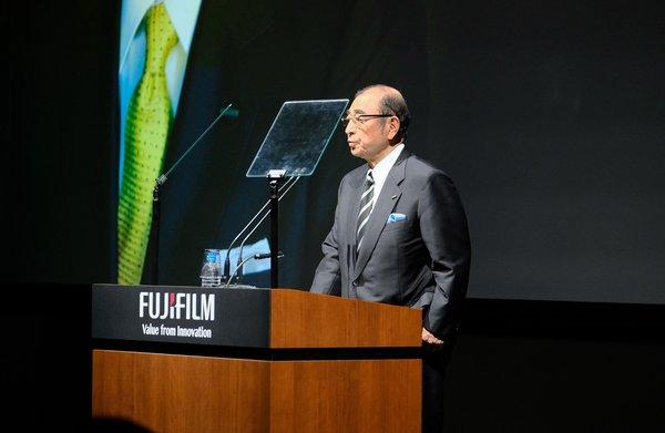 富士胶片GFX100无反中画幅数码相机发布 创新理念拓宽影像维度
