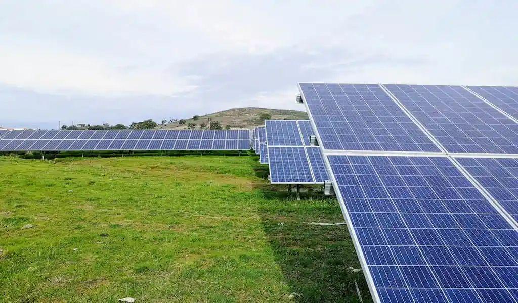 """能源产业扶贫效益明显 """"十四五""""要主抓光伏扶贫"""