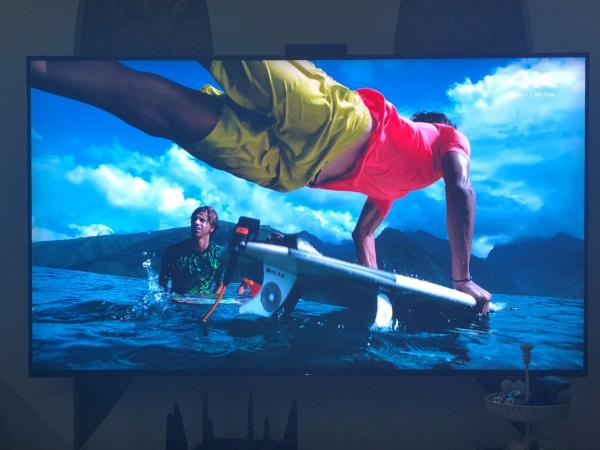 PS4原装HDMI线和开博尔二代光纤HDMI2.0线对比差距明显