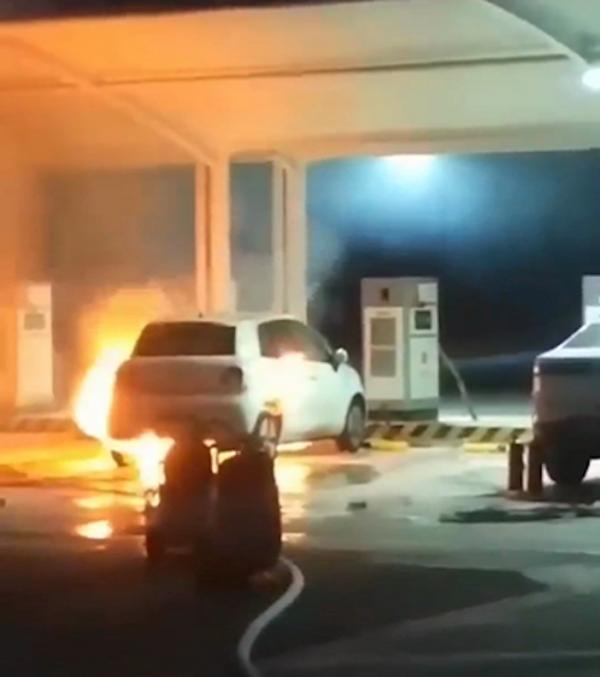 长城欧拉自燃,厂家:起火原因仍在调查