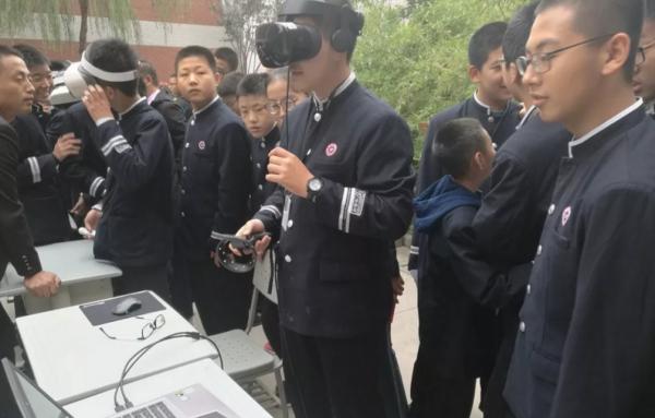 """前沿观察:""""VR/ AR联姻教育""""将成新常态,教育信息化改革何去何从?"""
