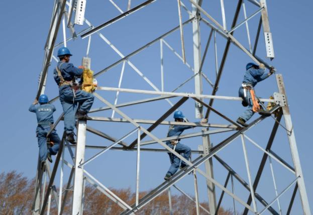 两会建言:改革春风吹满地 新能源未来很争气