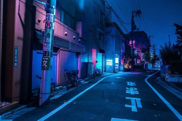 日本人灾难应急新思路 电动汽车可开可住 可取暖 可给大楼充电!