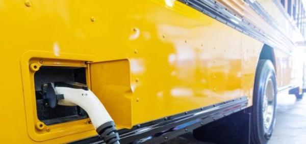 电动巴士将取代燃油车进入校园