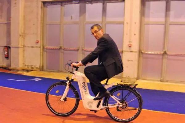 G7峰会上 这种氢动力自行车火了
