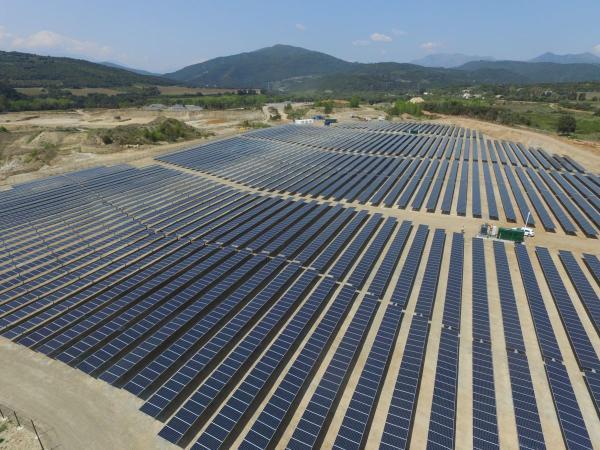这座岛上 光伏发电联合电池储能将为4000家庭提供电力