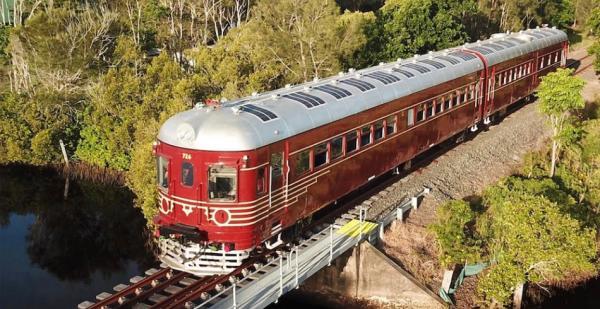 世界上第一列太陽能火車來了!可用鋰電池充電
