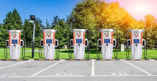 世界上最先进的超快速电动汽车充电器在日本推出