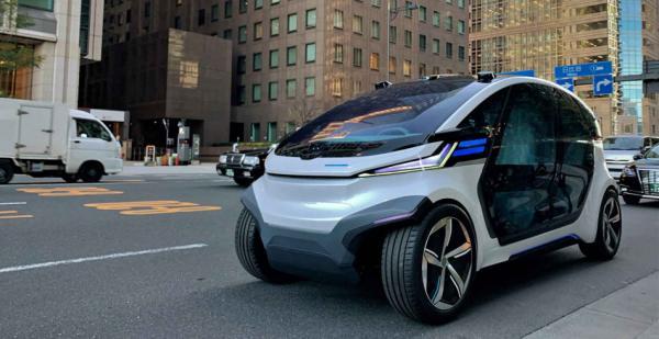 新型无人驾驶电动汽车将由太阳能板和锂离子电池供电