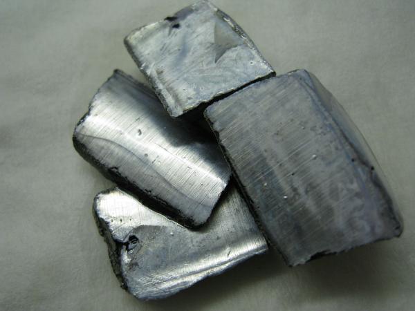 清华大学发现有利于钾离子电池大规模储能的阴极材料