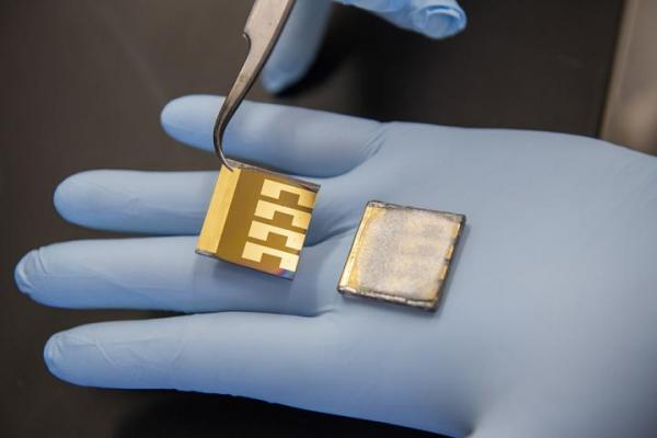 新型钙钛矿电池适具有极佳的室内灵活性    其效率可达22.6%