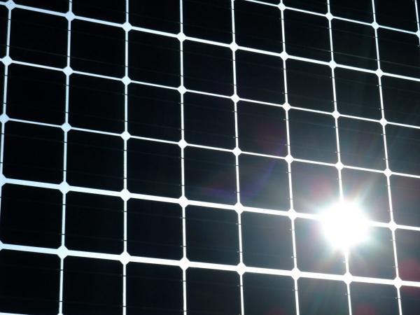 """日本探索""""热回收""""太阳能电池概念    可超越电池效率理论极限"""