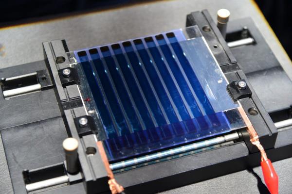 韩国研发更高效大面积有机太阳能电池与自旋涂层