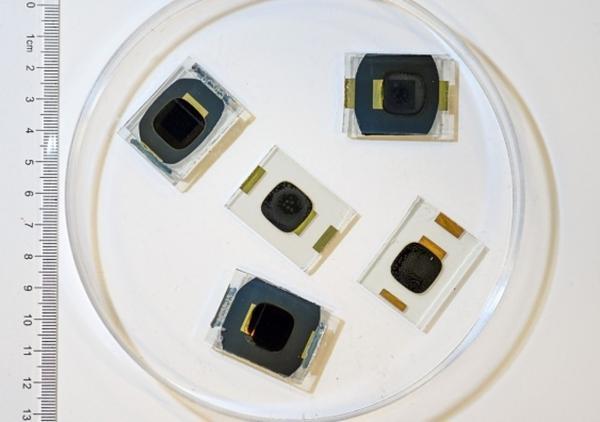 美国研发碳纳米管助推锂电池  提高电池电导率和更高倍率能力