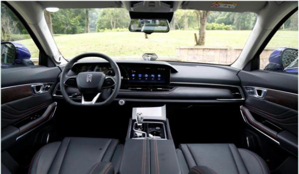 四维智联为奔腾T99全系车型搭配车载AR实景导航,定义出行新方式