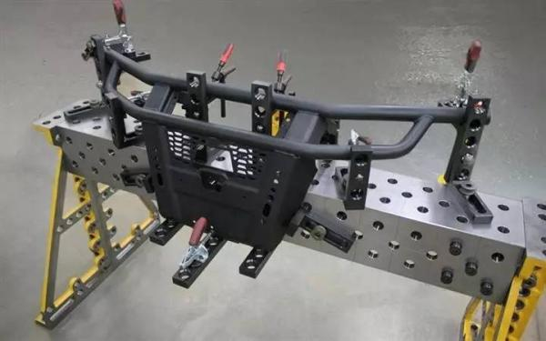 解放双手的秘密,机器人焊接工装夹具来了