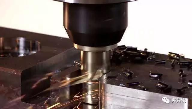 机床的最高加工精度是多少?