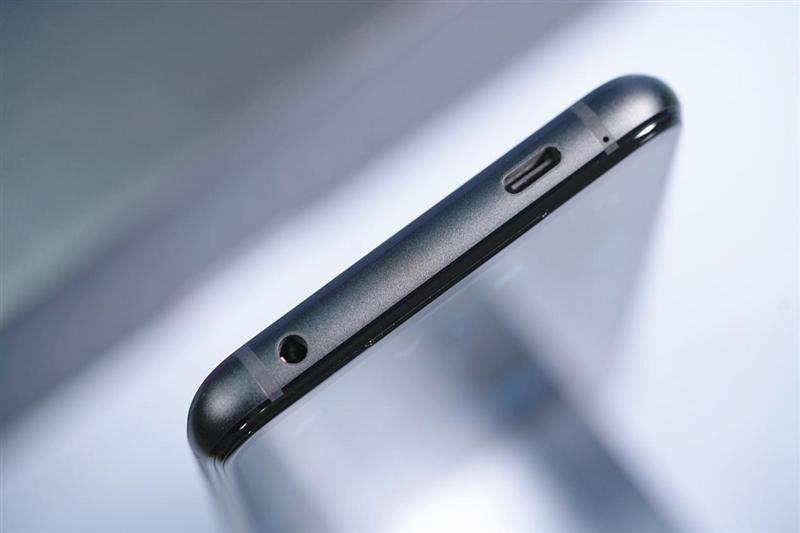 """坐等""""888 Plus""""来战!腾讯ROG游戏手机5首发评测:六指战神碾压众生"""