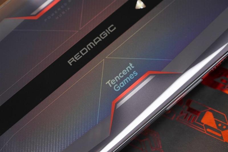 风冷散热驯服骁龙!腾讯红魔游戏手机6评测:解锁888全部实力的165Hz机皇