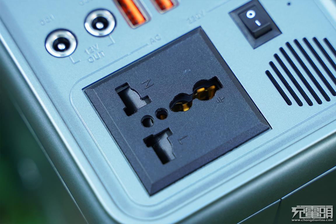 特斯拉同类型无钴电芯,300W+65W双向PD,羽博EN300WLPD户外电源评测