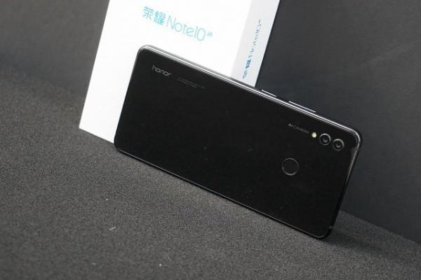 小米Max3和荣耀Note10全面对比:谁能更胜一筹?