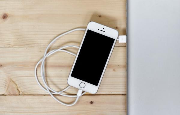 iOS 12虽好,但电池续航能力已无力回天!