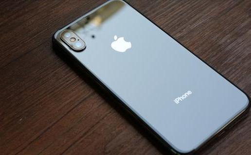 iPhone电池换不换?网友们都吵翻天了!