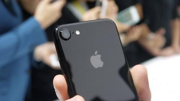 苹果为iPhone XR发布新广告,挤牙膏创新还能走多远?