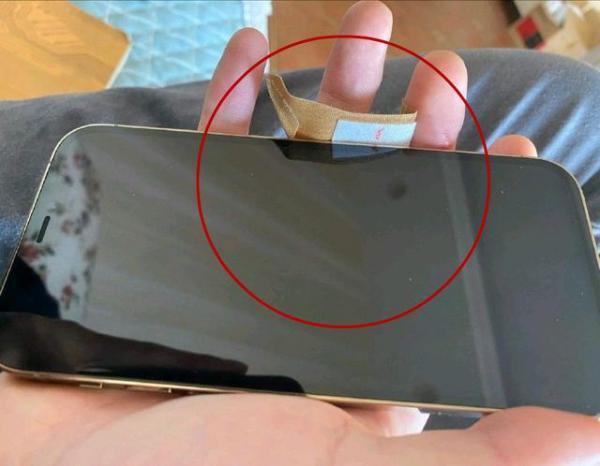 iPhone 12价格破发,早买的果粉后悔了吗?
