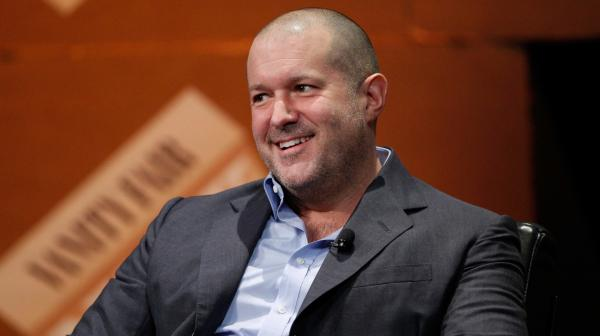 继首席设计师离职后,苹果股价下跌近90亿美元,苹果处境堪忧?
