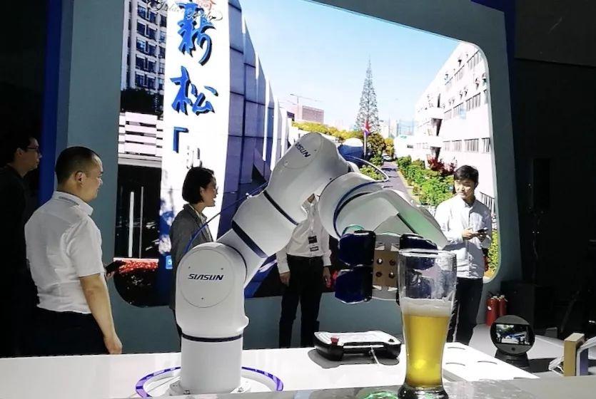 5G时代,机器人与万物互联