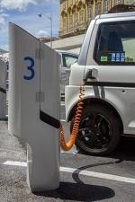 今年春节期间电动汽车高速公路充电量增长近三倍