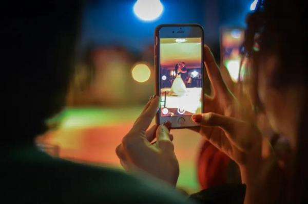 首款屏下摄像手机的幕后赢家