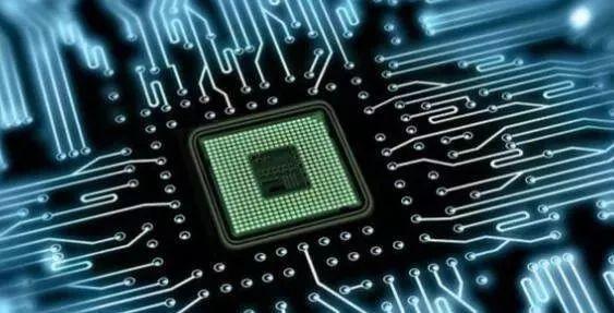 降低成本!弯曲纳米银线的标准改进昂贵的商用芯片