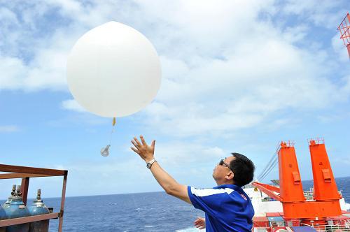 气象探空仪中常用的数字压力传感器和温湿度传感器