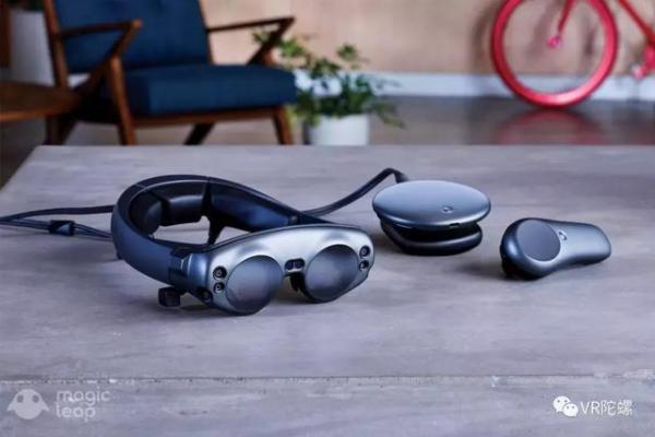 AR应用现状:单客户最高需求上千台,AR眼镜竟供不应求?丨VR陀螺