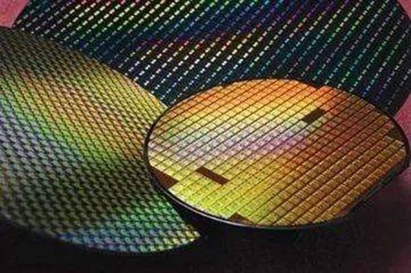 再获450亿巨额资金,中国最大芯片代工厂加速追赶三星和台积电