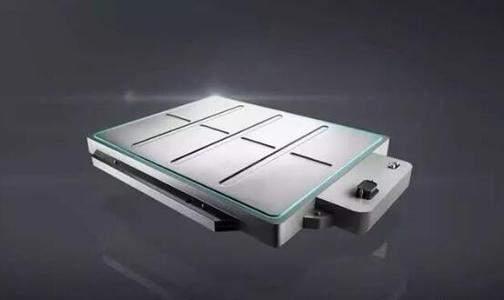 蔚来急于拿出PPT固态电池,或因特斯拉和比亚迪带来的巨大压力