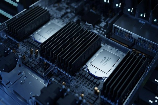 Intel在半导体市场终现衰退迹象,AMD则接近翻倍增长