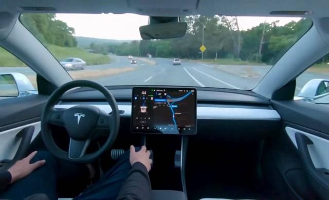 三大互联网造车企业,为何仅有小鹏被特斯拉针对?