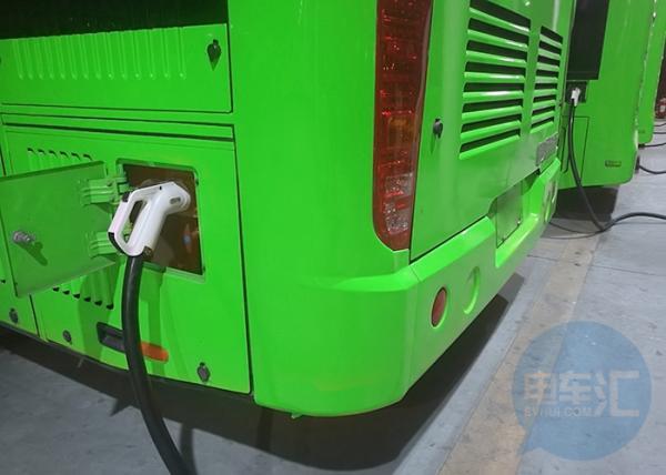 「汇眼独具」历史遗留问题凸显,插电式公交车不插电究竟为何?