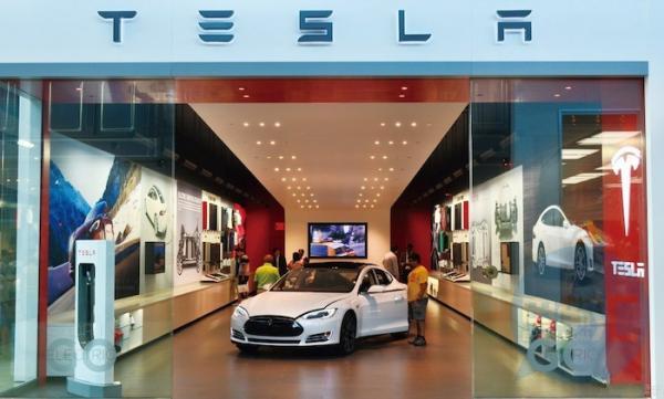 平均降价5万,特斯拉入华背后,造车新势力还在玩高端……