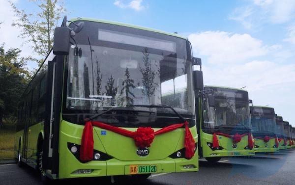 一台新能源公交车一年能省多少钱?